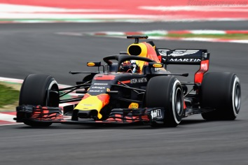 MONTMELO, SPAIN - FEBRUARY 26: Daniel Ricciardo of Australia driving the (3) Aston Martin Red Bull Racing RB14 TAG Heuer on track during day one of F1 Winter Testing at Circuit de Catalunya on February 26, 2018 in Montmelo, Spain. (Photo by Patrik Lundin/Getty Images) // Getty Images / Red Bull Content Pool // AP-1UVZDZ7S92111 // Usage for editorial use only // Please go to www.redbullcontentpool.com for further information. //